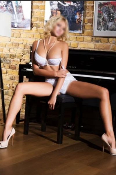 Nelly - Escort girl Morges